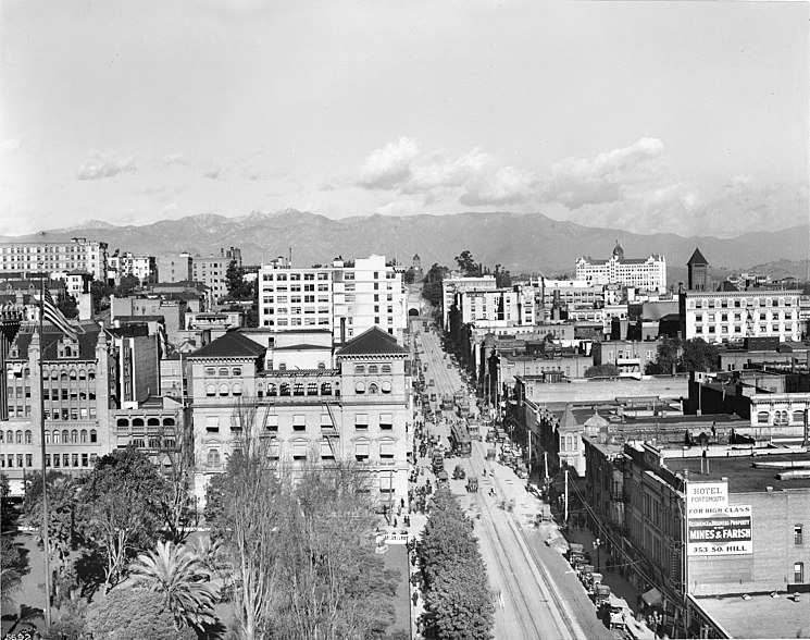 File:View of Hill Street, looking north from 6th Street, Los Angeles, ca.1913 (CHS-5692).jpg