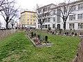 Villeurbanne - Square Henri Bertrand 3 (mars 2019).jpg