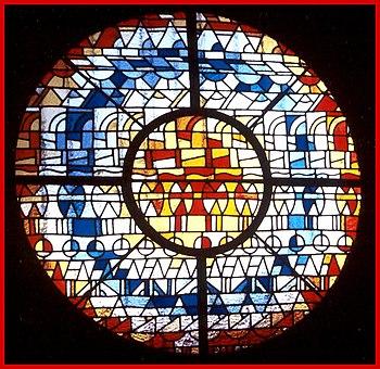 Rosace de l'église Notre Dame par l'artiste verrier Carlo Roccella
