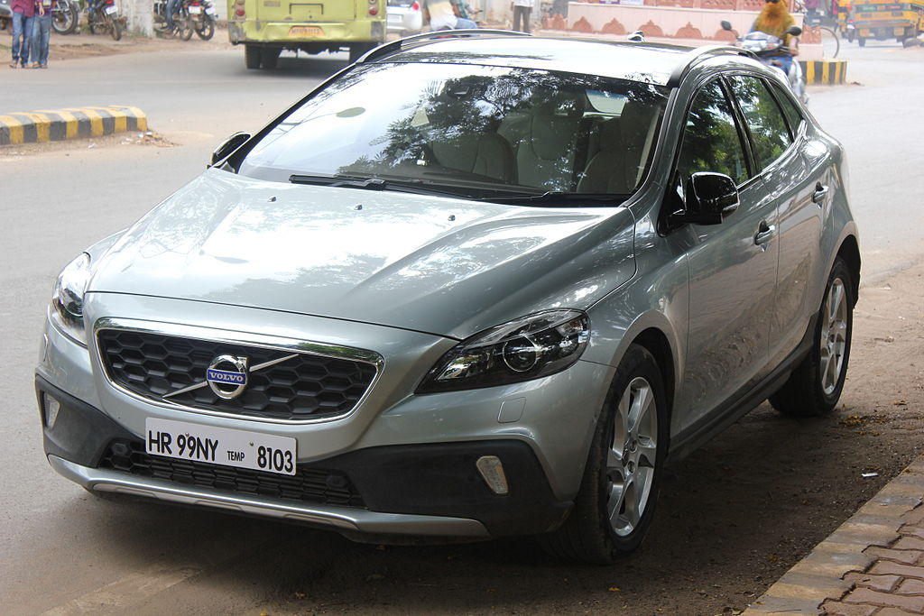 file volvo v40 cross country in gwalior oct wikimedia commons. Black Bedroom Furniture Sets. Home Design Ideas