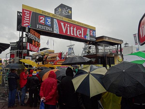 Wallers - Tour de France, étape 5, 9 juillet 2014, arrivée (A44).JPG