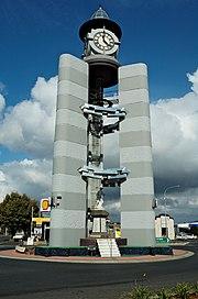 War-memorial-Ulverstone-20070420-020