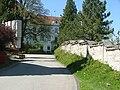 Weg zum Schloss - panoramio.jpg