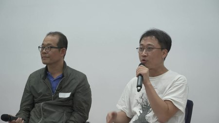 파일:Wikipedia book talk.webm