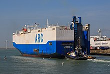 Zeebrugge Belgium Tugboat-Smit-Tiger-and -car-carrier-Honor-01.jpg