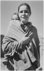 """Navajo Woman and Child, Canyon de Chelle, Arizona."" (Canyon de Chelly National Monument) (vertical orientation), 1933 - - NARA - 519951.tif"