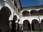 (Iglesia de San Francisco, Quito) Convento pic.bb07 interior courtyard.JPG