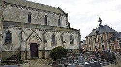 Église cimetière mairie d'Avaçon.jpg