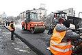 Будівельники розпочали асфальтувати Шулявський шляхопровід (17).jpg