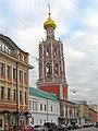 Высоко-Петровский монастырь. Надвратная церковь Покрова Пресвятой Богородицы01.jpg