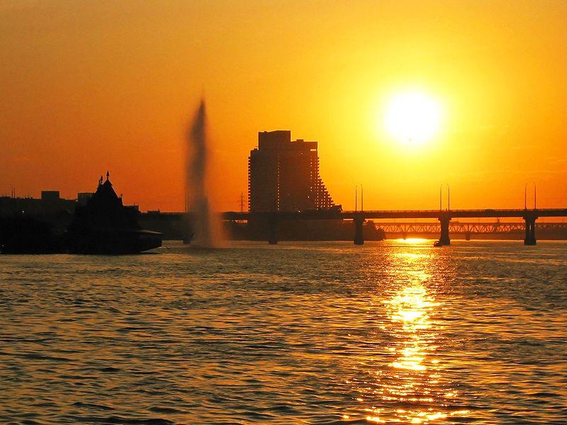 File:Закат в Днепропетровске.jpg