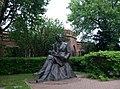 Памятник Пушкину в Оренбурге (2016).jpg