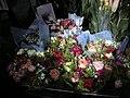 母親節路邊賣的鮮花 - panoramio.jpg