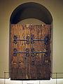042 Fulles d'una porta del s. XII.jpg