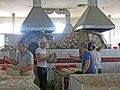 097 Eski Juva Bozori, mercat de Chorsu (Taixkent), forn de pa.jpg