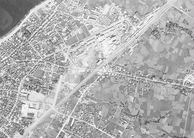 ファイル:1966年(昭和41年)当時の滑川駅周辺航空写真.jpg - Wikipedia