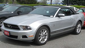 2010 Ford Mustang convertible 1.jpg