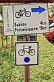 2012 Powiat cieszyński, Dębowiec, Znaki niebieskiego szlaku rowerowego nr 254.jpg