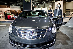 Cadillac ELR - U.S. Department of Energy Secretary Steven Chu discusses the features of the 2014 Cadillac ELR exhibited at the 2013 Washington Auto Show.