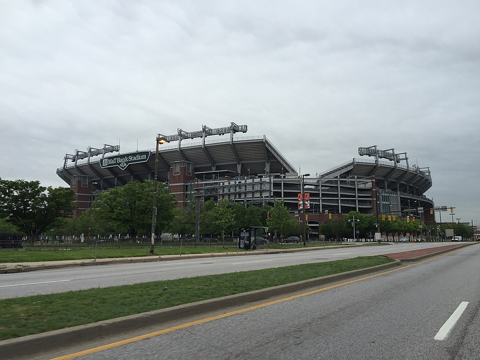 2016-05-11 08 00 03 View of M&T Bank Stadium from southbound Maryland State Route 295 (Russell Street) in downtown Baltimore City, Maryland