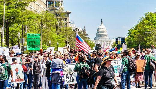 2017.04.15 -TaxMarch Washington, DC USA 02402 (33217066684).jpg