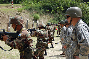 36th Infantry Division (United States) - 36th Infantry Division soldiers instruct Honduran soldiers.