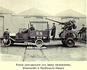 Sir Alfred Rawlinson, 3rd Baronet - Rawlinson (extreme left) with one of the anti-aircraft guns of the Royal Naval Anti-Aircraft Mobile Brigade, a towed QF 3-inch 20 cwt.