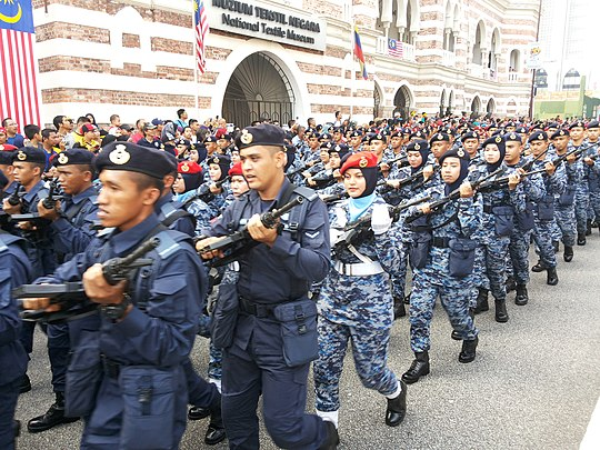 Military beret - Wikiwand