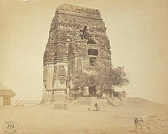 Teli ka Mandir - Image: 8th or 9th century ruined Teli ka Mandir before restoration, Gwalior Madhya Pradesh, east view 1869