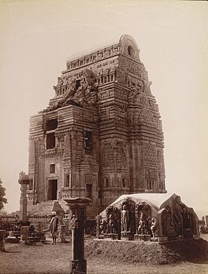 Teli ka Mandir - Image: 8th or 9th century ruined Teli ka Mandir partly restored in 1885, Gwalior fort, Madhya Pradesh