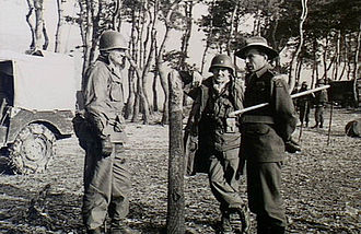 Ian Bruce Ferguson - Ferguson (right) with two US Army officers during the Korean War