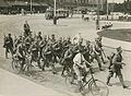 Aankomst van een detachement Nederlandse militairen aan het station op de maanda – F40345 – KNBLO.jpg
