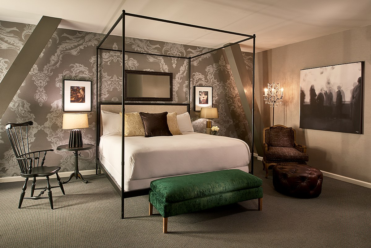 Guest Rooms With Two Twin Beds