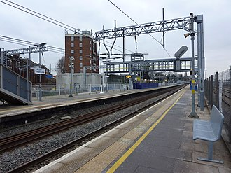Acton Main Line railway station - Looking west from platform 4 in 2019