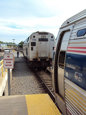 Adirondack (train) - Exchange of cars at the Albany-Rensselaer train station.