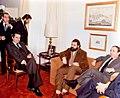 Adolfo Suárez se reúne con dirigentes del partido Euskadiko Ezkerra.jpg