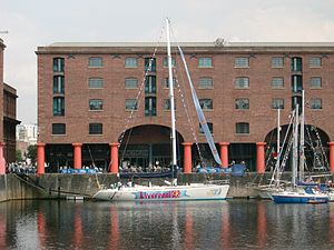 Albert Dock, Liverpool - 2005-06-10.JPG