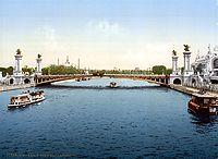 Le pont AlexandreIII au moment de son inauguration à l'occasion de l'exposition universelle de 1900