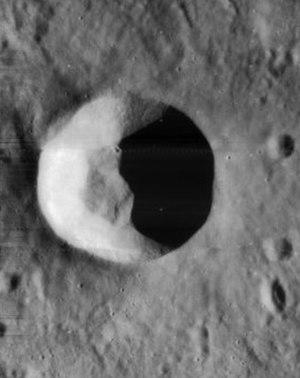Alfraganus (crater) - Image: Alfraganus crater 4084 h 3
