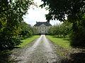 Allée principale du château de Vierville.jpg