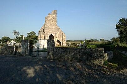 Ancienne église d'Auxais (2).jpg
