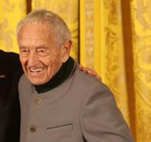 Andrew Wyeth - Wyeth receiving the National Medal of Arts in 2007