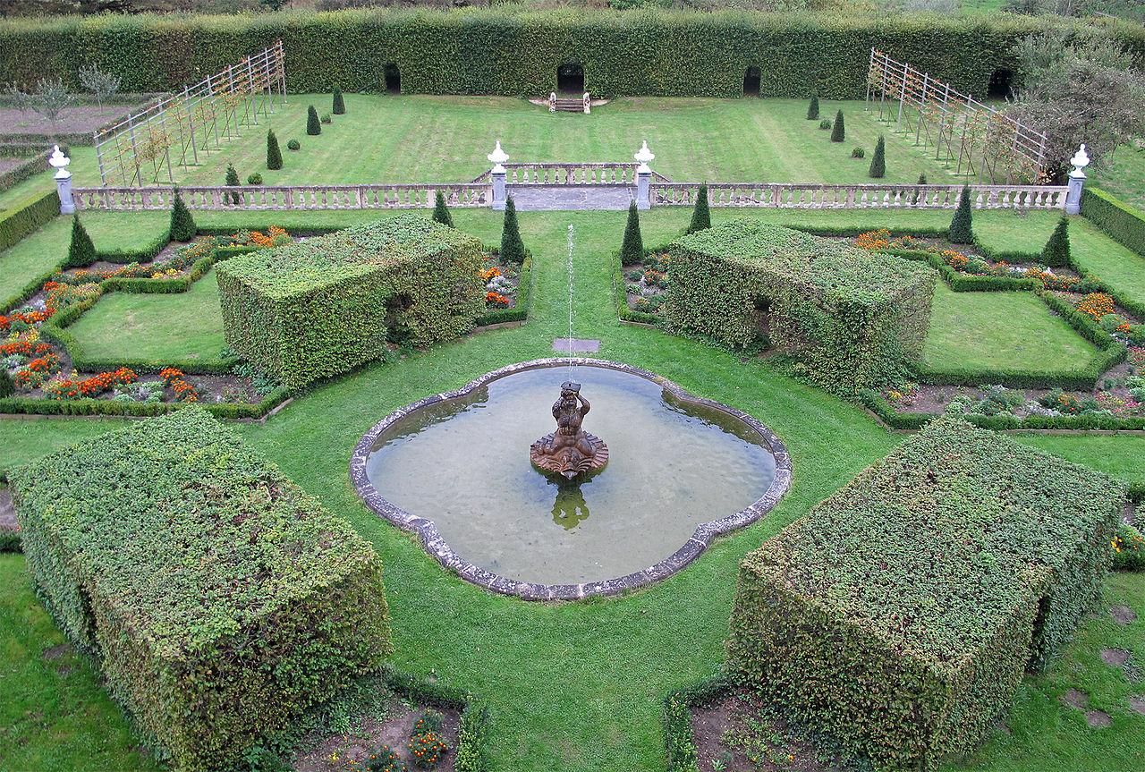 File Ansembourg, Garten mit Springbrunnen 01 jpg Wikimedia Commons