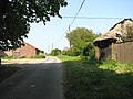 Approaching Hall Farm - geograph.org.uk - 812063.jpg