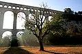 Aqueduc de Roquefavour vu de la prairie au Nord Est.JPG