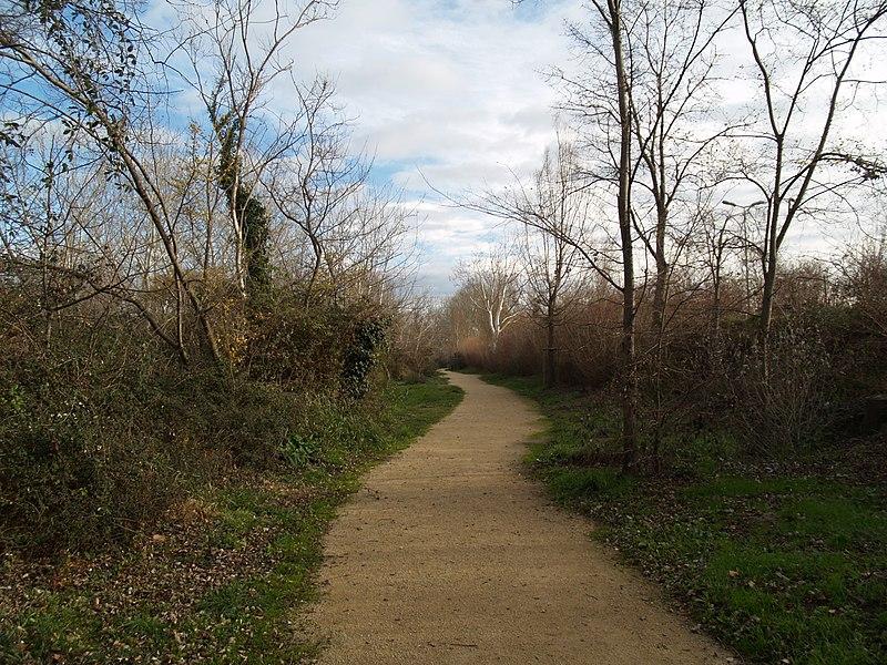 The park Jardin de Gaton at Saint-Martin de Crau