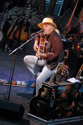 Arlo Guthrie - Guthrie performing during his 2005 Alice's Restaurant Massacree 40th Anniversary tour