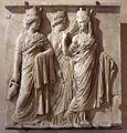 As três Tyches - c 160 aC - antiga coleção Borghese - Louvre.jpg