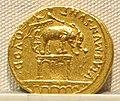 Augusto, aureo, 27 ac.-14 dc ca. 11.JPG