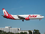Avior Airlines Boeing 737-4B7 (YV3158) at Miami International Airport.jpg